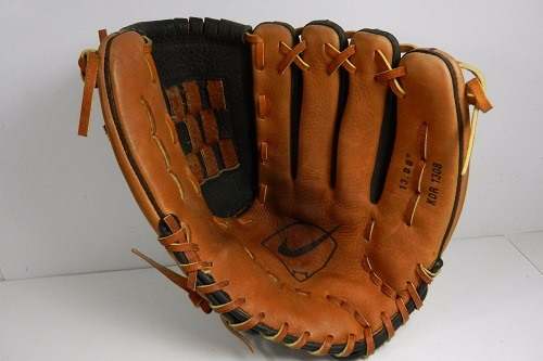 Softball glove Made From Steer Hide Leather